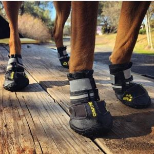 🐶2/$25 Black Waterproof dog boots with réflective bands and non-slip sole